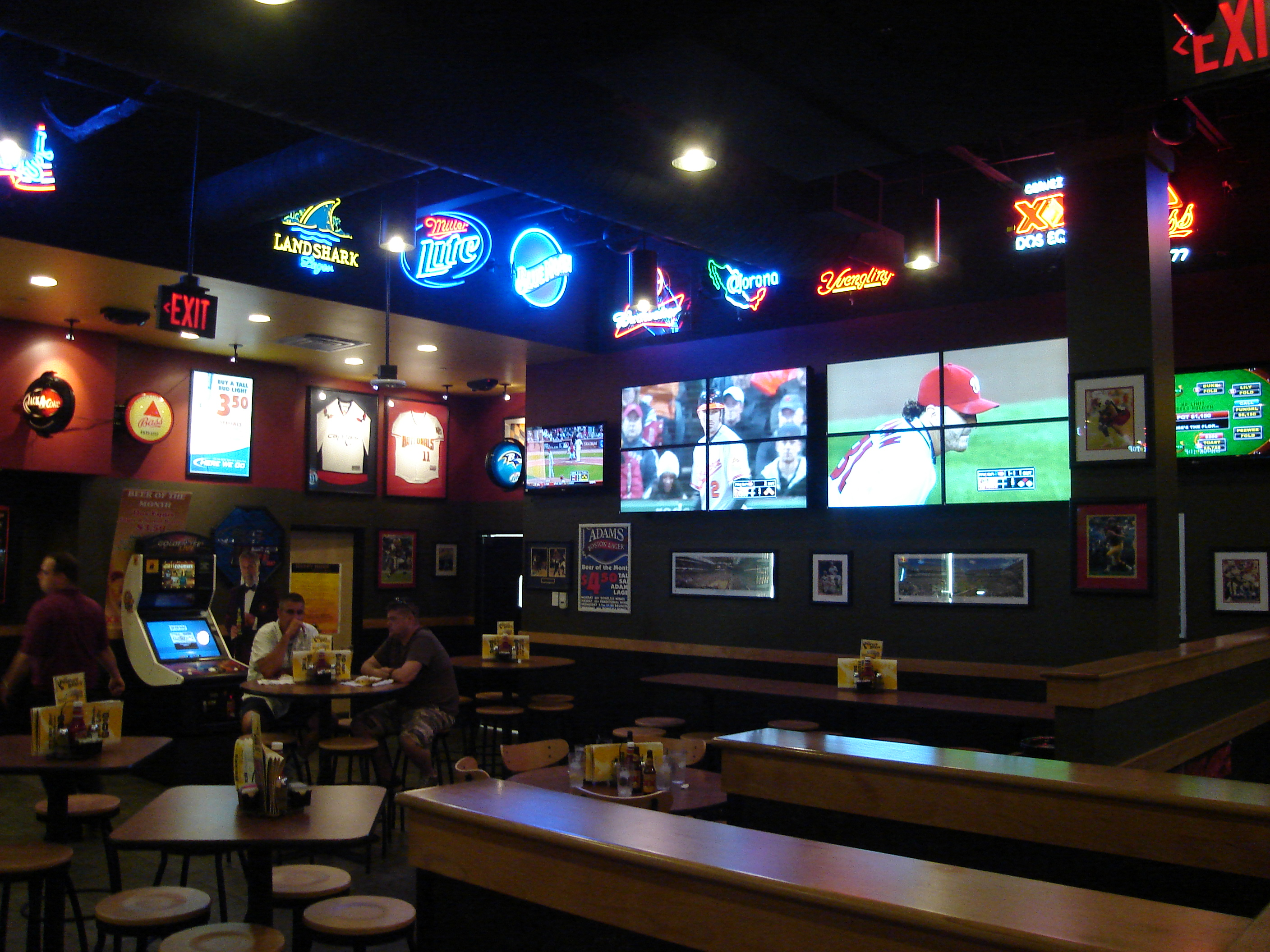 Annapolis usa sport bar2
